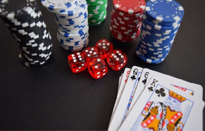 Conoce cuáles son las ventajas del casino en el Black Jack.