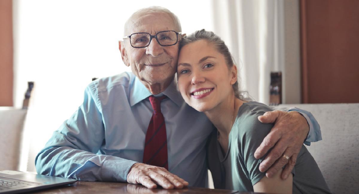Dedícale estas hermosas frases a tu segundo padre, tu abuelito. Foto: Pexels