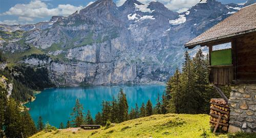 Suiza ofrece 70 mil dólares a las familias que quieran vivir en una de sus aldeas