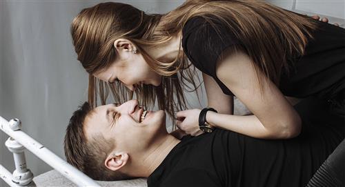 5 beneficios de tener intimidad con un hombre menor