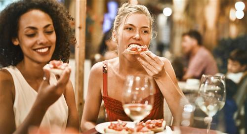 "Expertos explican por qué no debes comer hasta ""querer reventar"""