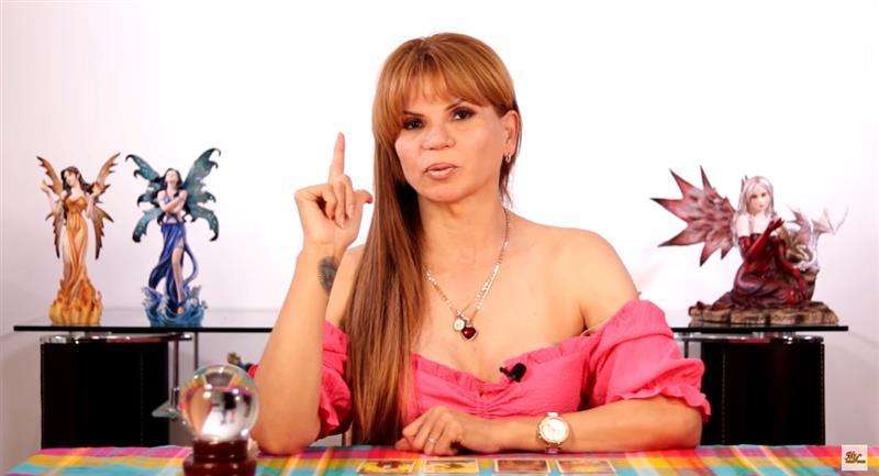Mhoni Vidente asegura que Rusia quiere conquistar México. Foto: Youtube CanalOficial Mhonividente