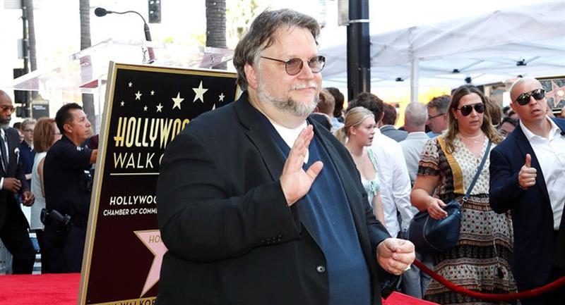 Guillermo del Toro reta a aerolínea a regalar pasajes a mexicanos sobresalientes. Foto: EFE