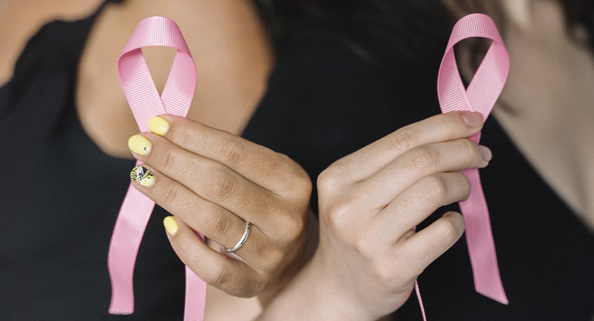 Día Mundial del Cáncer de Mama y el significado del lazo rosa. Foto: Pexels