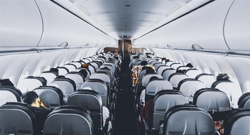 COVID-19: Estudio revela qué asientos de avión son más seguros. Foto: Pexels