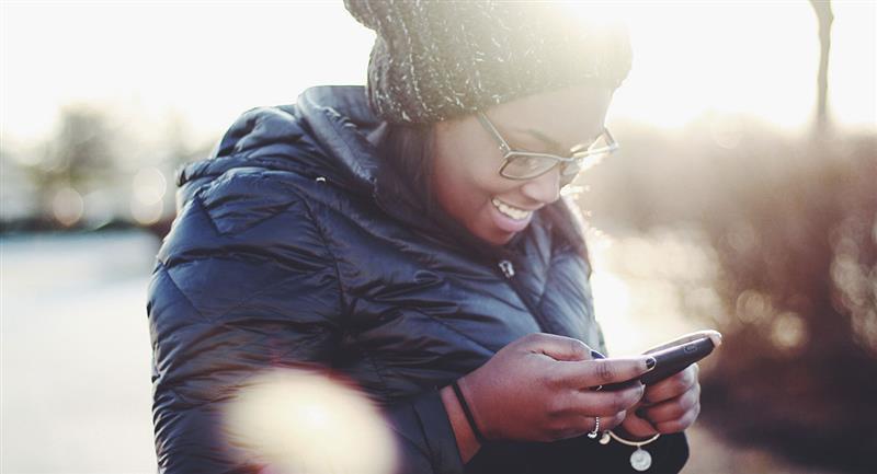 Mensajes para enviar por WhatsApp en Navidad a alguien que está lejos. Foto: Unsplash