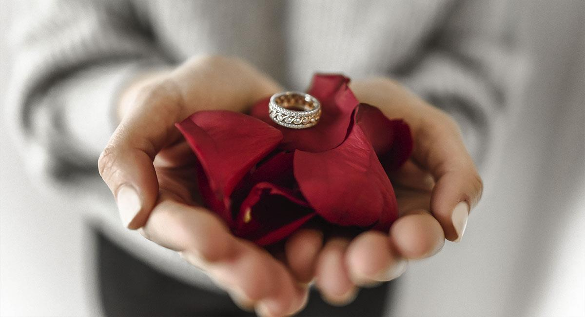 Mujer rechaza anillo de 3 mil dólares porque le pareció muy barato. Foto: Pexels