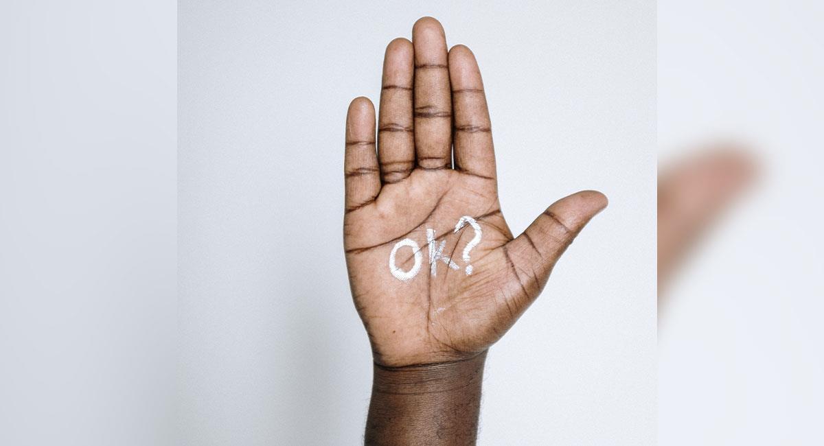 ¿Se te pelan las manos? Puedes estar mal del hígado. Foto: Pexels