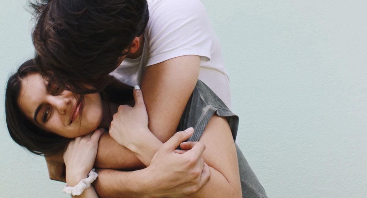 ¿Qué siente un hombre cuando te abraza?. Foto: Pexels