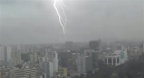 Tormenta eléctrica en Lima genera ola de memes en internet